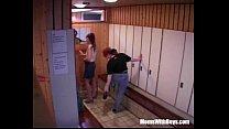 Скрытая камера следит за женами порно