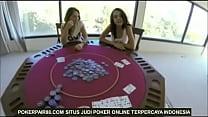 Poker nyepong kontol threesome 2 cewek cantik 1 pria porn videos