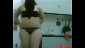 فتاة ليبيه هايجة عاريه علي حجر2016