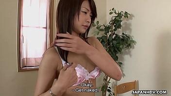 XVIDEO   アジアの女は、最大模索し、オフポーズ得ています