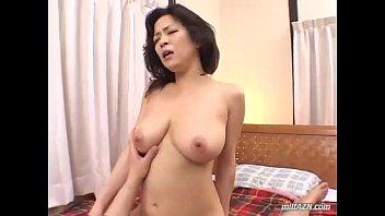 XVIDEO 友崎亜希 爆乳熟女とハメ撮りセックス
