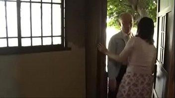 【人妻巨乳熟女無料動画】脂の乗った人妻熟女が見境なしにペニスを喰らう!SEX動画