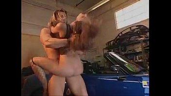 Dandole en el garage