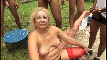 Film bokep Granny gangbang full movie gratis