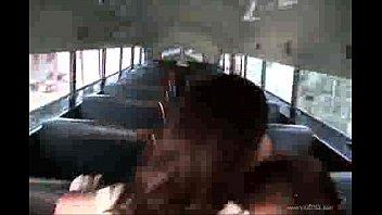 La estudiante y el chófer del bus