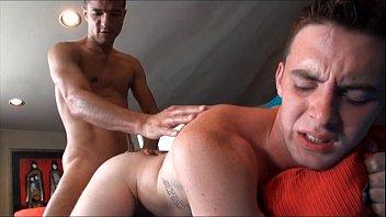 Videos Porno Gay Gayroom hanging out