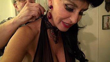 Granny goes Black-Dirty White slut GILF takes 3... | Video Make Love