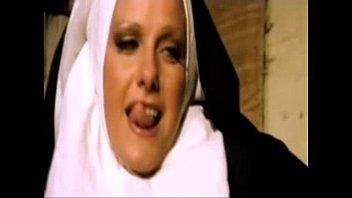 Fodendo as freiras dentro do convento - www.arquivogls.com