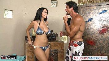 Morena muito peituda gostosa fudendo de bikini