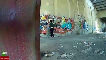 Cuando una pared de la calle sirve para follar bien duro gui020