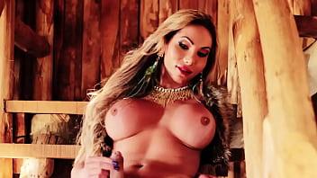 Ensaio sensual e quente da gata Marcelle Dy Ferrari