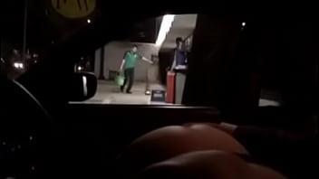 Kim exhibicionista mostrando el culo a estraños en el auto méxico df