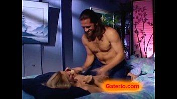 Belleza espanola desnuda y follando con erotismo