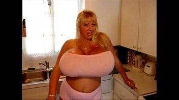 Bikini Pink Kayla Kleevage
