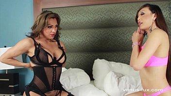 Jessy Dubai e Venus Lux transando gostoso