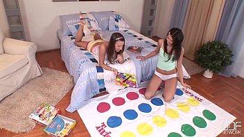 Евро подросток Эротика - колледж подростки с органами подружка лесбиянка