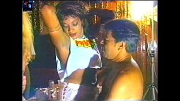 (brazil upskirt amateur tvrip) baile de carnaval da band 1997a98 real raro 57m08s scala club rev