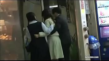 母親を介抱しながら歩いていて人気の無いところで二人で犯されてます
