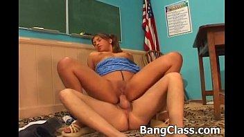 Schoolgirl gets fucked in the classroom Thumb25