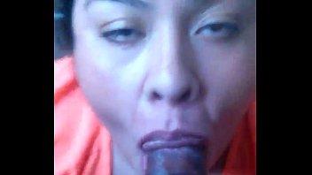 Gordita de lisa18x.com chupando verga