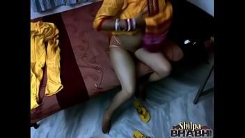 Shilpa bhabhi indian amateur with big boobs masturbating
