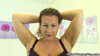 Smooth looking brunette milf Deliliah is masturbating her twat  333681