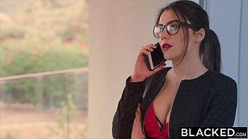 Blacked valentina nappi takes the biggest bbc i...