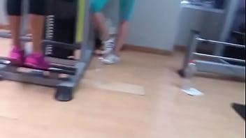 Culito en el gym