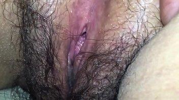 Mi esposa bocabajo contracciones vaginales peluda