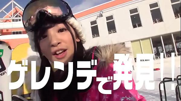 スキーのゲレンデでナンパした女の子は巨乳で雪の効果で120増し