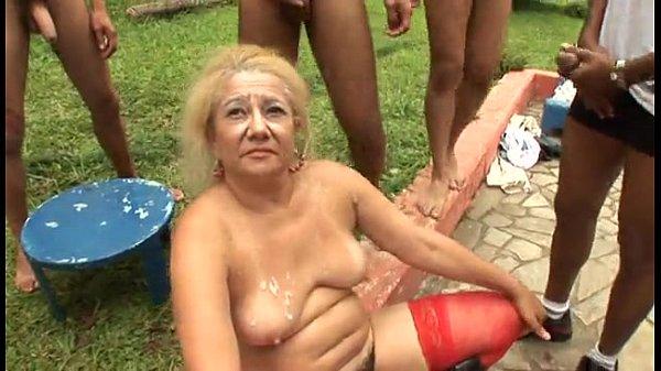 Videos de Sexo Brazilian gangbang granny