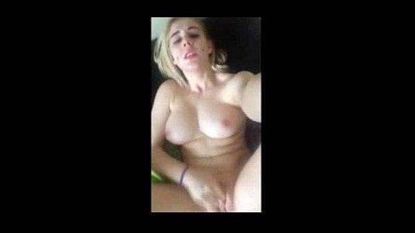 Videos de Porno Novinha gozando no pau