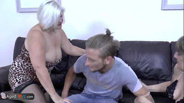 Matura Blonda Vrea Sa Cunoasca Sexul Cu Tinerii