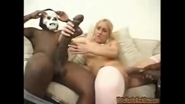 videos de Porno Bem dotado fodendo safadinha