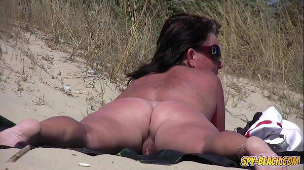 Perversii Filmeaza Pizdele Nudistelor Care Sunt Mari Si Zbarcite