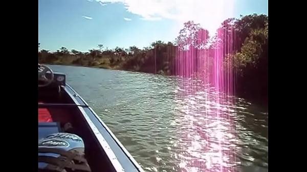 Dando bucetinha no meu barco