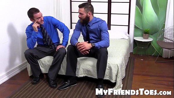 Barbudo abusando do novinho