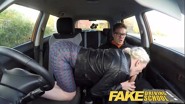 Soferita Unui Taximetrist Ii Face O Muie Unui Student