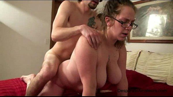 Videos de Sexo Empregada vadia dando na cama da patroa