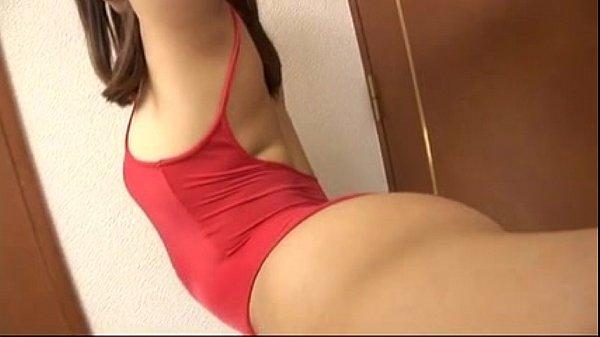 【着エロイメージビデオ】 めっちゃかわいいお姉さんがハイレグレオタード姿で綺麗な美尻を披露しながらバランスボールエクササイズしちゃいます♪