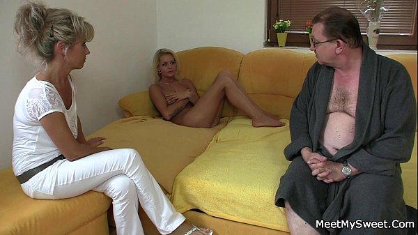 Жесткое оральное порно видео