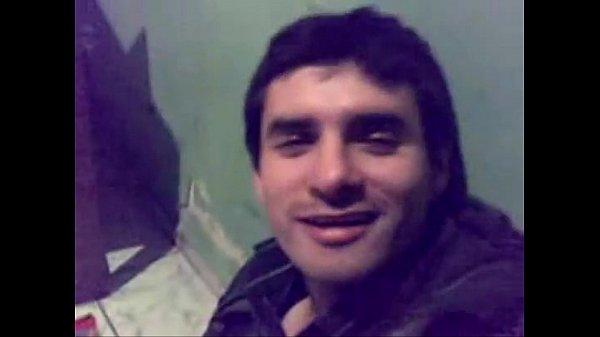 Chico chileno ebrio muestra la pinga