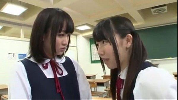 篠宮ゆり 愛須心亜 性欲をぶつけ合うようにねっとりなレズビアンプレイで絡みあう幼い美10代小娘たち…