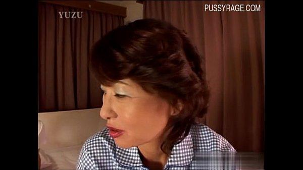 【じゅくじょ(動画)】58歳の化粧が濃い熟年おばさんのドスケベ性欲丸出しの中出しSEX!!!