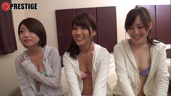 海でナンパした肌ピチピチな美女3人組と即日ハメ撮りSEX
