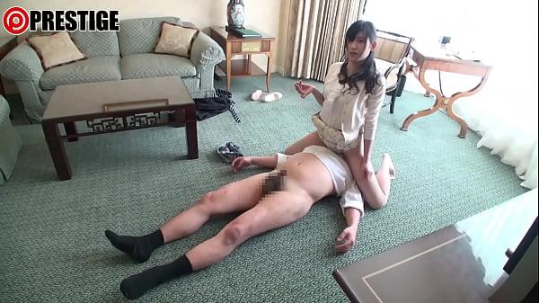 【玉名みら】綺麗なお嬢さんがおっさんの足指を舐めベロキスSEX