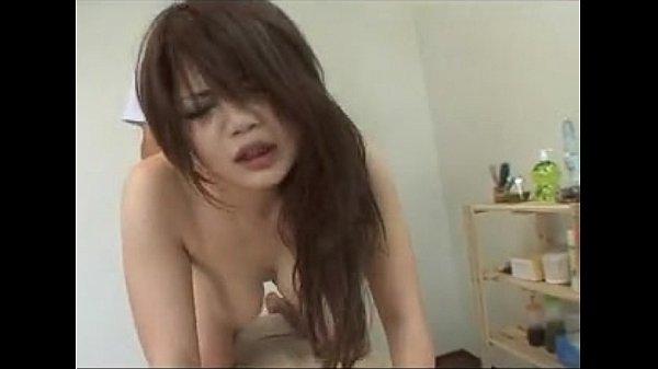 悪徳マッサージ師にイラマチオから中出し寝取られる巨乳の美人妻