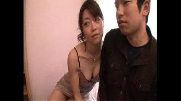 【ヒトッマ浮気画像】これで抜けなきゃED確定!美人人妻熟女が手コキとフェラチオで誘惑していくるエロ動画