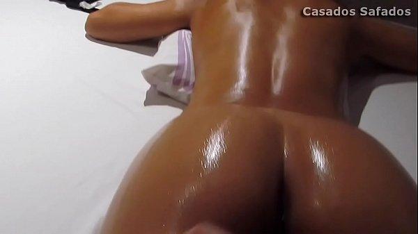 Videos de Sexo morena rabudinha dando na casa de massagem