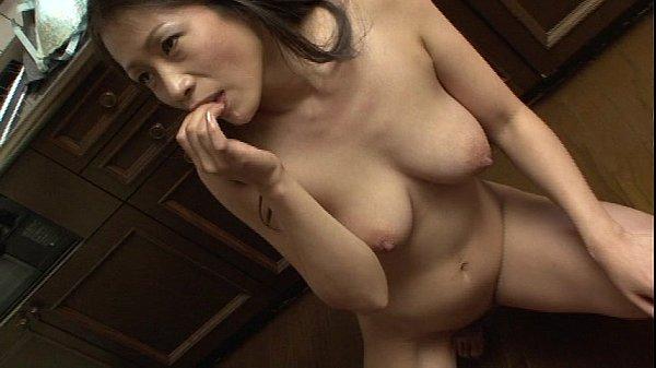 友田真希のアイドル・芸能人フェラロリ口内射精放尿・脱糞美少女動画